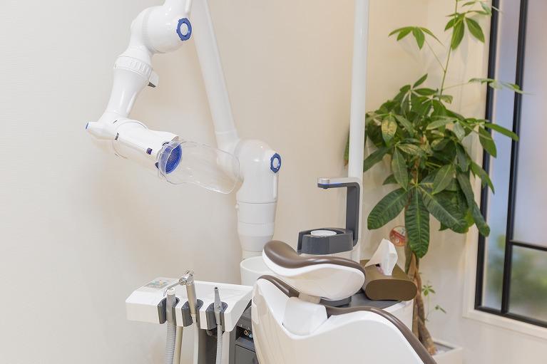 全診療スペースに口腔外バキュームを設置